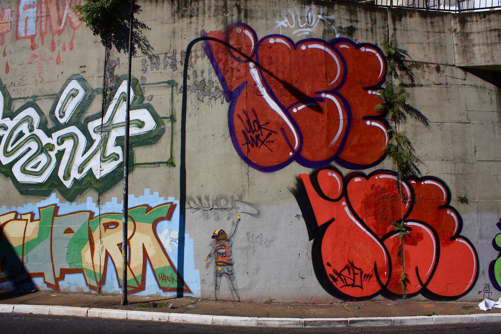 ise-grafite-letra-dionisio-arte-04