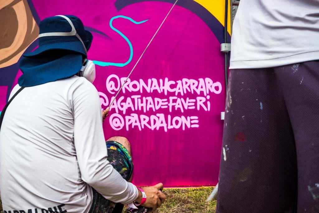 dionisio.ag mural lollapalooza 2018 ronah carraro pardal agatha de faveri dia 2 (1)