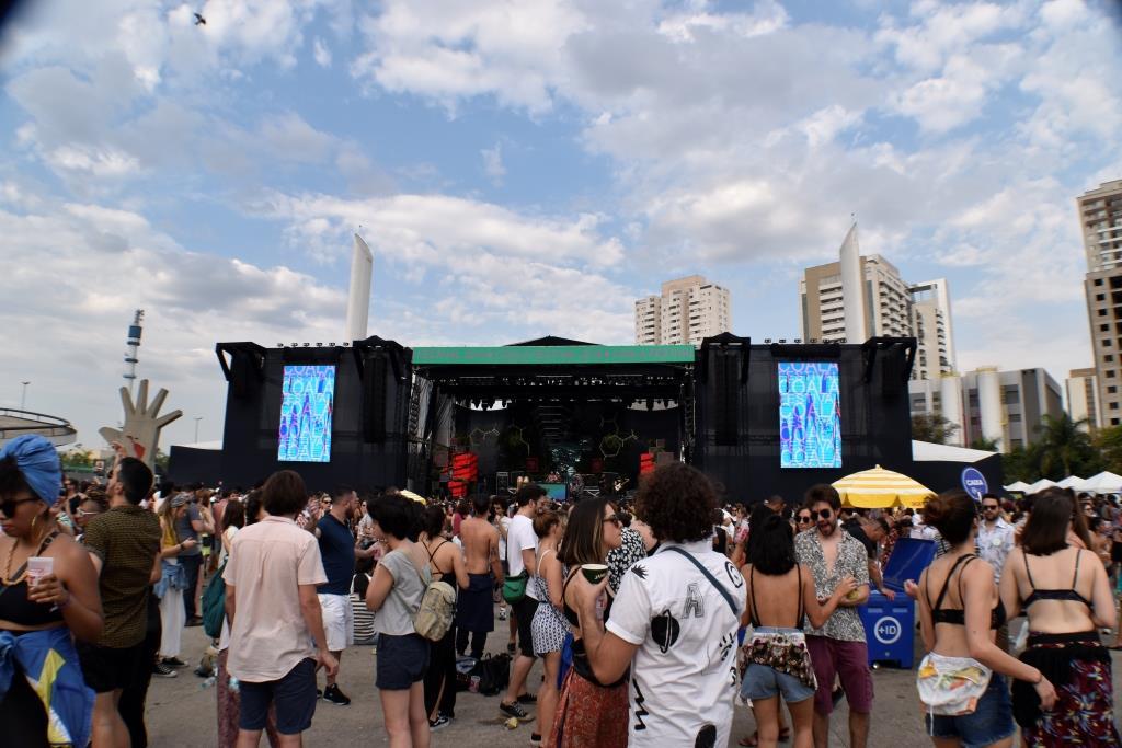 dionisio.ag coala festival marcio moreno tnt energy drink cartazes resistnt (12)