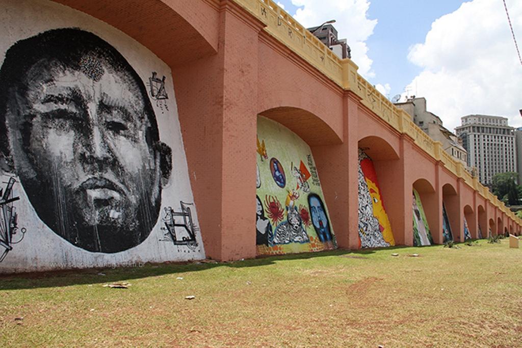 rafael hayashi pintura oleo graffiti hugo chavez sp arco polemica (2)