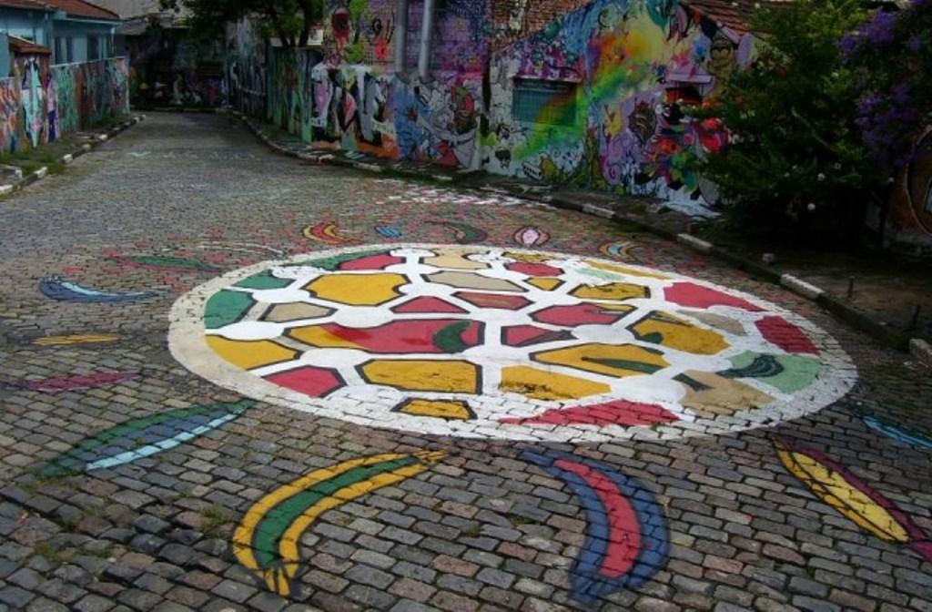 vado-do-cachimbo-graffiti-sao-paulo-anos-80-beco-do-batman-pintura-mural-vitrais-6