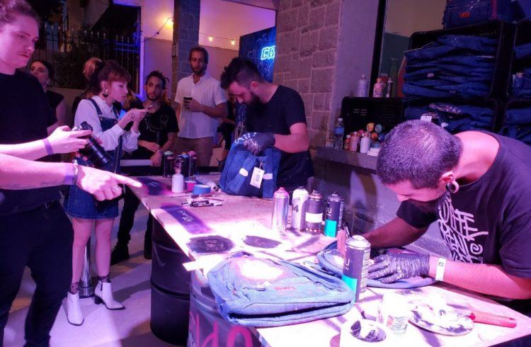 dionisio.ag-mktmix-colcci-denim-soul-party-mochilas-jeans-caua-reymond-maisa-camila-coutinho-6.jpg